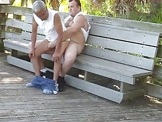 Gordito se la mete a abuelo en publico amateur (gay) bear (gay) daddy (gay)