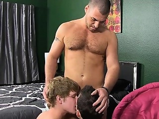 Handsome daddy invites two twinks and they have a threesome blowjob (gay) gays (gay) group sex (gay)